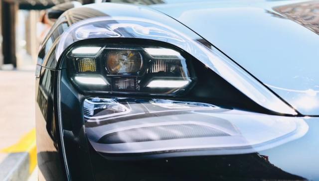 保时捷首款量产纯电动车--Taycan现身上海,将于9月全球首发