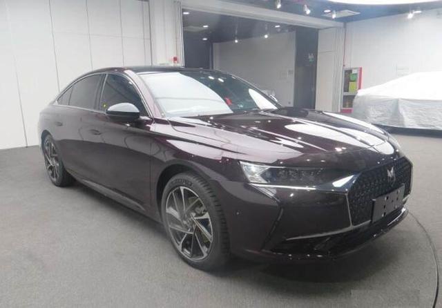 DS国产旗舰新车DS9曝光,与宝马5系、奔驰E级展开竞争